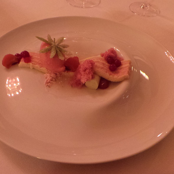 Rhubarb, Strawberries, Woodruff @ Buddenbrooks