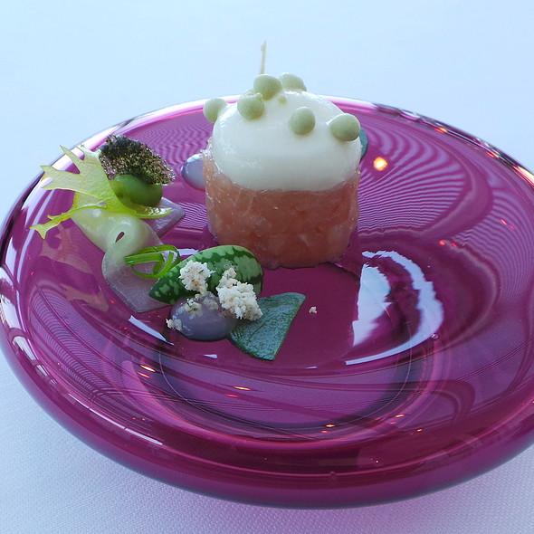 Hamachi mit grünen Aromen @ La Belle Epoque Restaurant