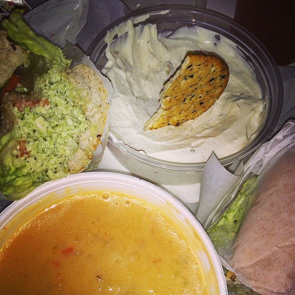 Hana Hou cousins! Chicken pesto on wheat with small lobster bisque and crackers with garlic clam dip. @ Pā'ina Cafe