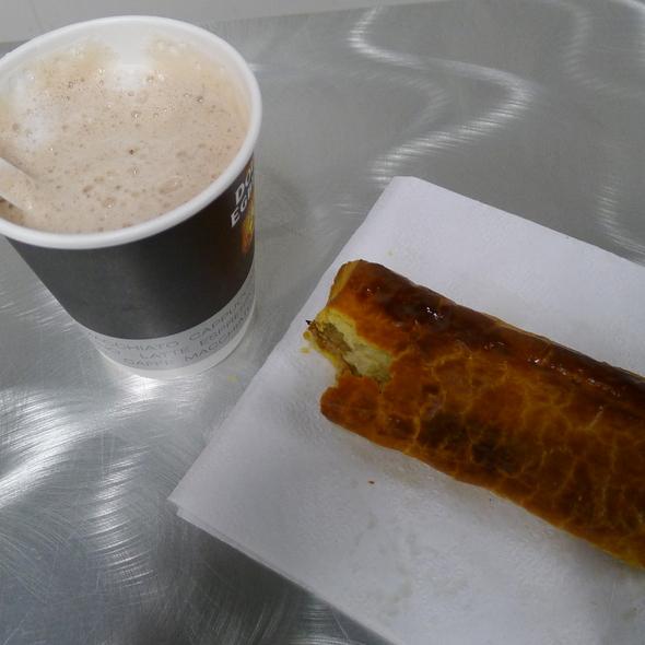 Breakfast @ Amsterdam Airport Schiphol, 1118CP Luchthaven Schiphol