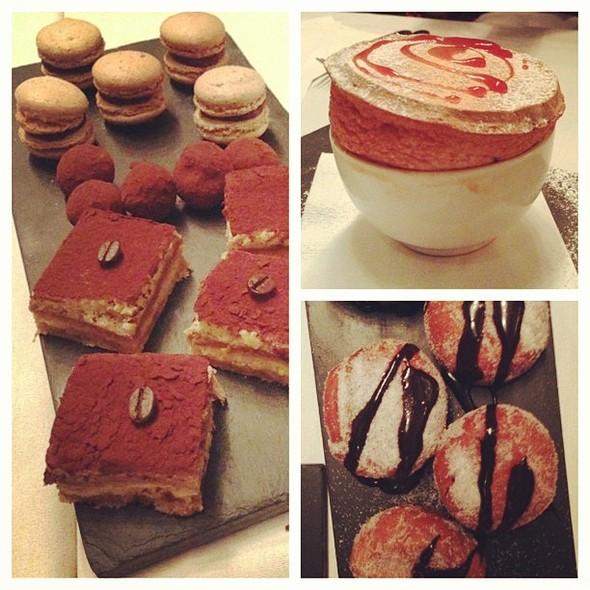 Desserts @ Restaurant Decca 77