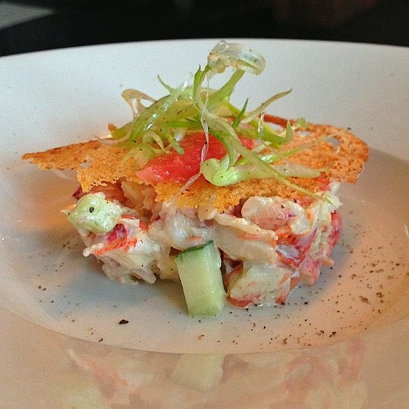 Lobster, tarragon mayo & grapefruit salad @ @ Restaurant Decca 77