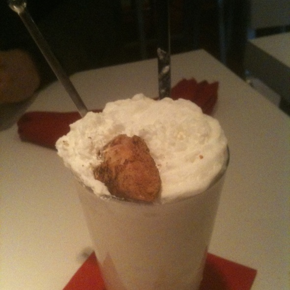 Apple Pie Milkshake @ FLIP burger boutique