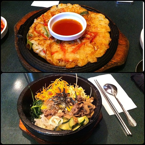 Beef DolSot Bibimbap (돌솥 비밤밥) and Seafood pancake  @ Norboo Korean Restaurant