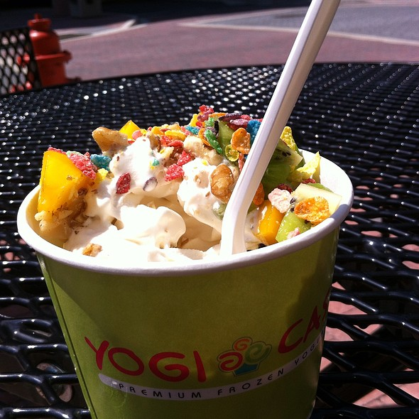 Cheesecake Frozen Yogurt @ Yogi Castle
