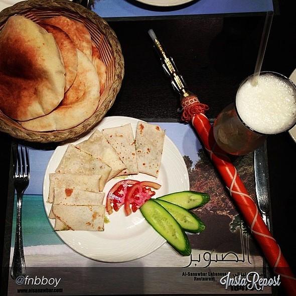 Weekend bite: Al Sanawbar with @fnbboy @kopking @ مطعم الصنوبر   Al-Sanawbar