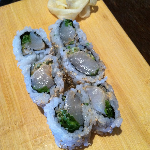 Crunchy Spicy Salmon Roll @ Chiba