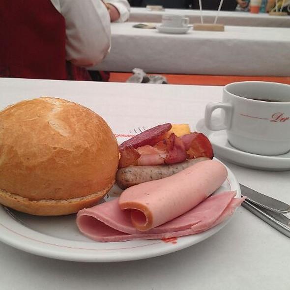 Frühstück @ Festplatz Ellen