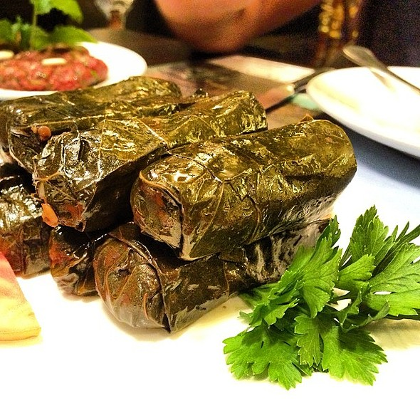 Warak Enab at Al Sanawbar with @fnbboy @kopking @ Al-Sanawbar Lebanese Restaurent