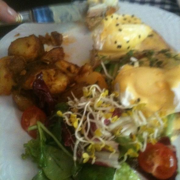 Eggs Pope Benedict @ California Breakfast Slam