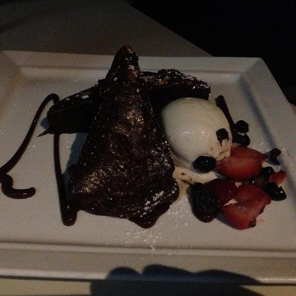 Mum's chocolate cake - benjy's in the village, Houston, TX