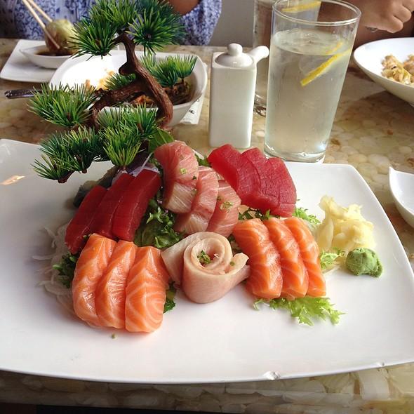Tri Color Sashimi - Raku, Edina, MN