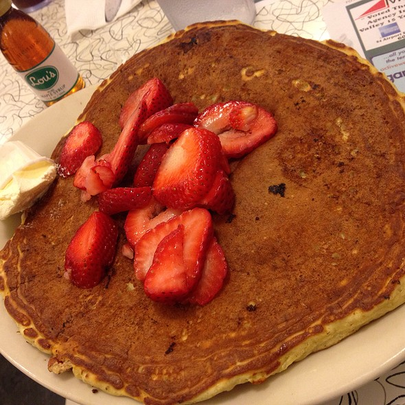 Strawberry Pecan Banana Cream Pancake @ Lou's Restaurant