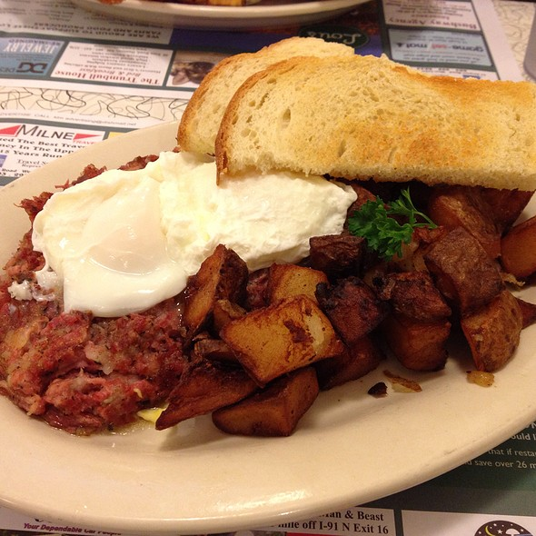 Poached Eggs On Corned Beef Hash @ Lou's Restaurant