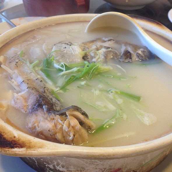 Fish Combination With Vermicelli In Fish Soup