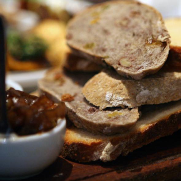 Bread Basket @ Sirop Folie Resto & Tea Corner