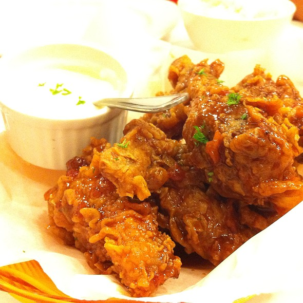 Buffalo Wings @ Boiling Seafood