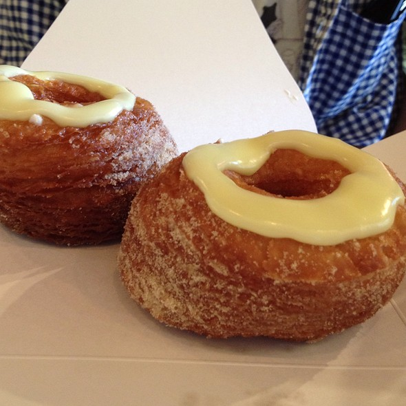 Cronuts @ Dominique Ansel Bakery