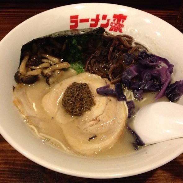 Tonkotsu Soup Ramen With White Truffle And Mushroom @ Ramen Kureha 拉麵來