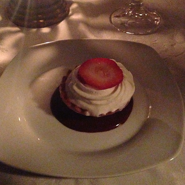 Strawberry Mousse Tart @ Stone Soup Cottage