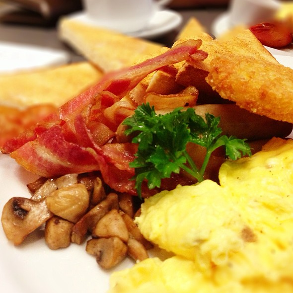 Big Breakfast @ The Coffee Club