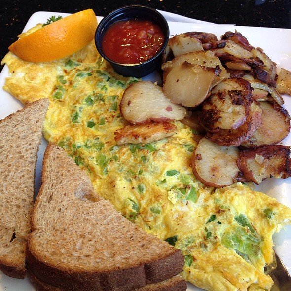 Fajita Omelet at Keke's Breakfast Cafe