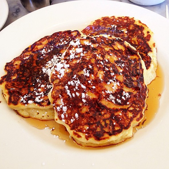 Lemon Ricotta Pancakes @ Plow