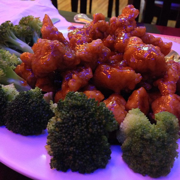 General Tsos Chicken At China Kitchen