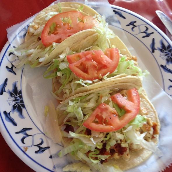 Chicken Tacos @ La Cabana