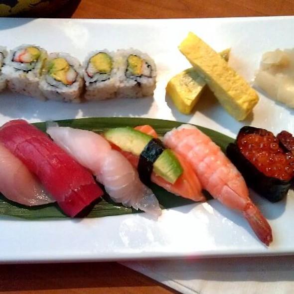 Sushi Deluxe @ Fujinoya