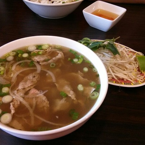 Beef & Tendon Pho @ Pho House