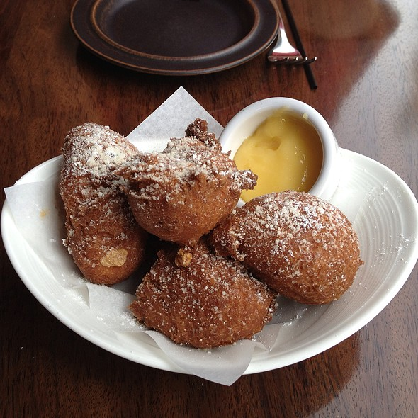 Ricotta Doughnuts With Lemon Curd - Accanto, Portland, OR