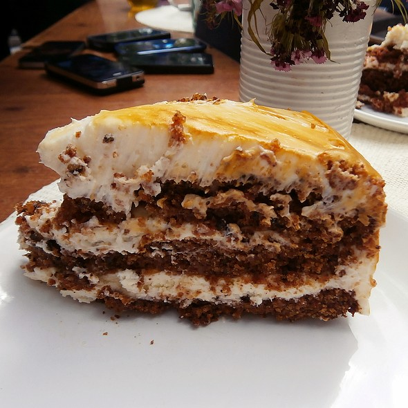 Carrot Cake @ MÜR Café