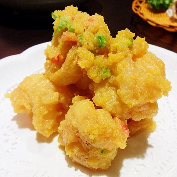 Deep Fried Prawns With Salted Egg Yoke