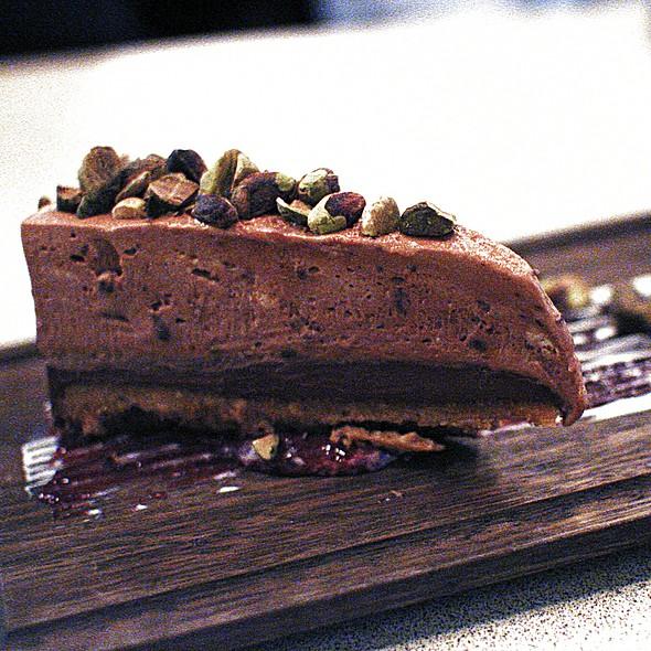 Chocolate Cream Pie, Peanut Butter Cookie, Chocolate & Dulce De Leche Mousse, Pistachios @ Bodega