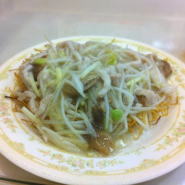 銀芽肉絲炒麵