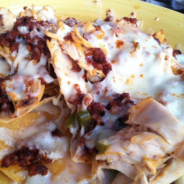 Chicken Nachos With Chorizo Dip