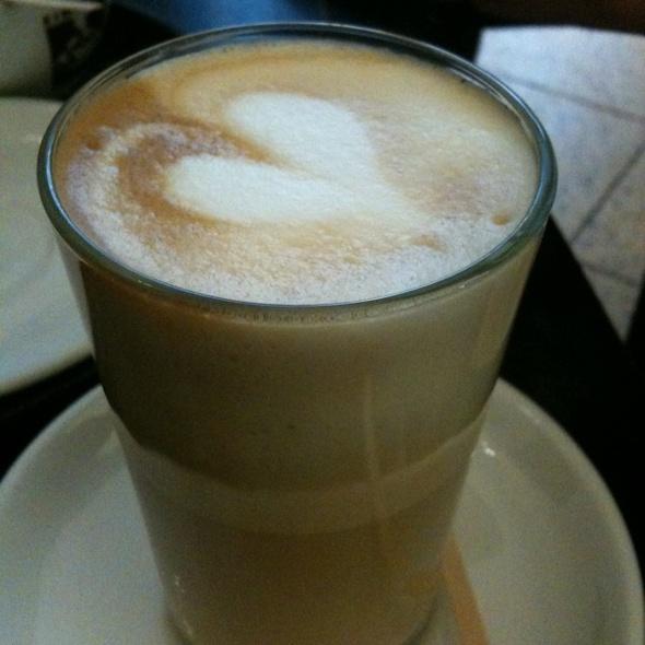 Latte @ Einstein Kaffee