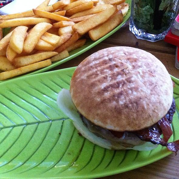 Burger Käse Und Speck @ Hans im Glück Gourmet Burger Grill