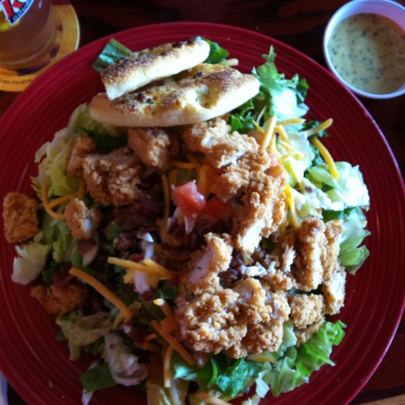 Crispy Chicken Tender Salad @ Red Robin Gourmet Burgers