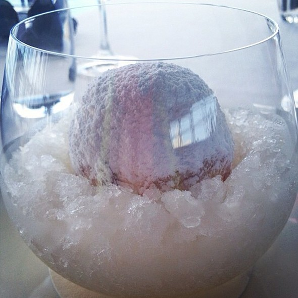 Guava Snow Egg @ Quay