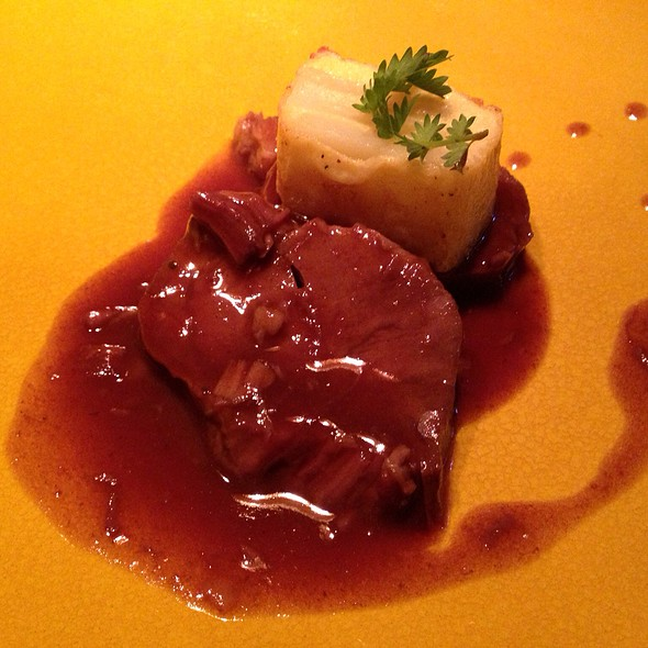Braised Beef Should With Potato Gratinee @ Labstelle