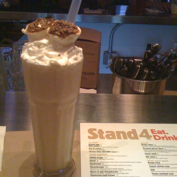 Roasted Marshmellow Milkshake @ Stand4