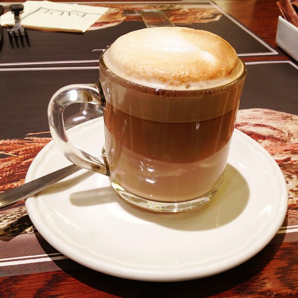 Cafe au lait @ Paul Bakery (Takashimaya)