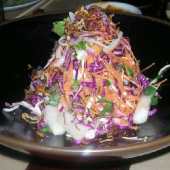 Spicy Thai slaw, Asian pear, crispy shallots, mint @ Spice Market