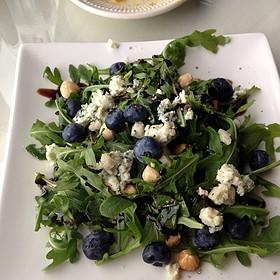 Arugula Salad With Blueberries