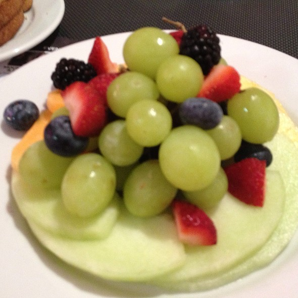 Fruit Plate @ Betty's Diner