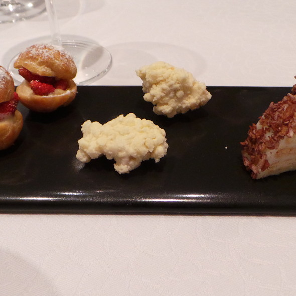 Petits Fours @ Hotel Residence