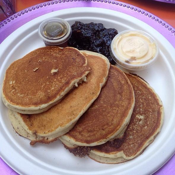 pancakes @ Purple Elephant