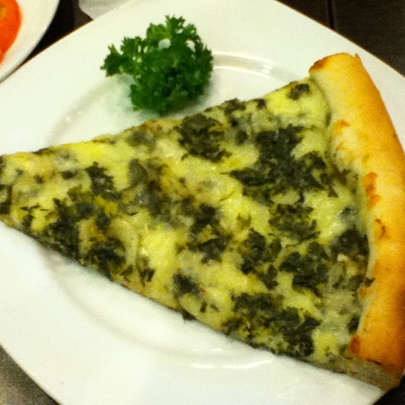 Spinach and Artichoke Pizza @ New York Pizza Palace
